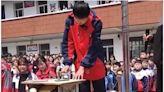 河南中學組織學生集體砸手機 引髮網路爭議(組圖) - - 社會百態