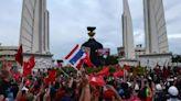 泰國軍方政變15周年 民眾示威要求總理下台