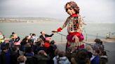敘利亞9歲女童尋母象徵! 劇場打造木偶「長征8千公里」│TVBS新聞網