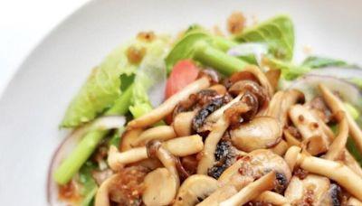 野菇雜菜沙拉/馬鈴薯花椰菜鮭魚沙拉/蒜香牛排蔬食沙拉,3道秋日低脂溫沙拉食譜來了!