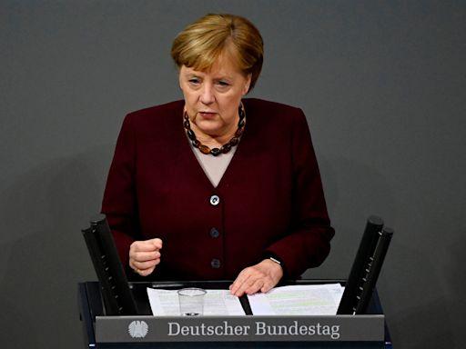 Brexit news – live: EU getting 'impatient' over negotiations says Merkel, as talks enter crunch week