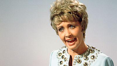Jane Powell, Spirited Star of Movie Musicals 'Royal Wedding,' 'Seven Brides,' Dies at 92