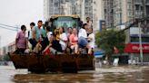 鄭州「海綿城市」防災計畫對「千年一遇」暴雨無能為力,京廣路隧道已拖出200多輛泡水車
