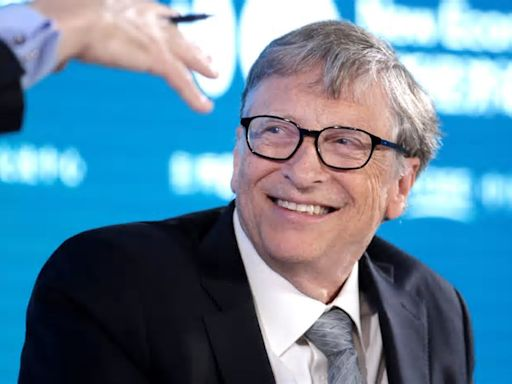 Bill Gates says climate tech will produce 8 to 10 Teslas, a Google, an Amazon and a Microsoft