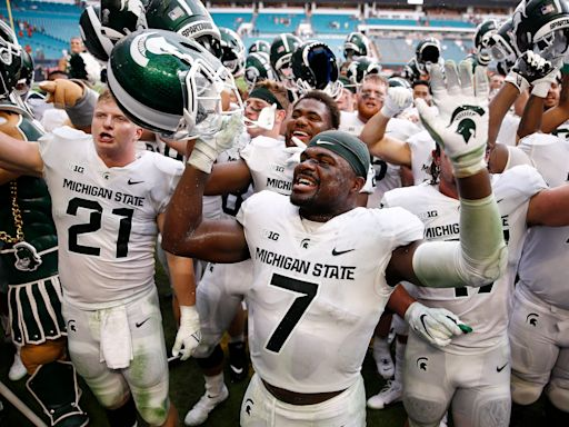 Michigan State football joins Michigan Wolverines in Top 25 of USA TODAY Coaches Poll