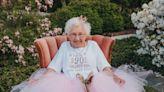 "This North Carolina Grandma ""Rocked"" Her Princess-Themed 90th Birthday Photo Shoot"