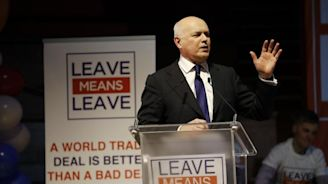 Brexit news latest: Iain Duncan Smith makes 'rock star' entrance at Leave Means Leave rally