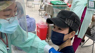 (獨家)詹雅雯安心了!力抗帕金森氏症 萬芳醫院接種疫苗