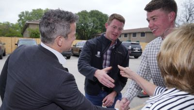 Kinzinger goes to Texas in search of anti-Trump Republicans