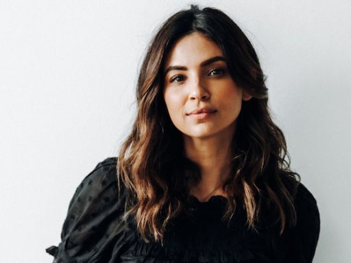 A Million Little Things' Floriana Lima Tees Up Darcy's Conflicting New Connection to Eddie