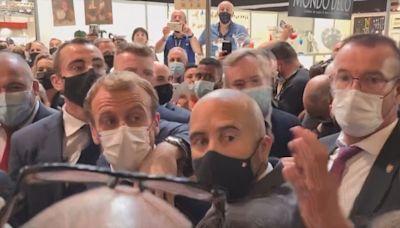 法國總統馬克龍懷疑被人擲蛋