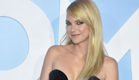 'Mom's' Anna Faris Just Partnered With This Company In Support of Educators and Schools in Need