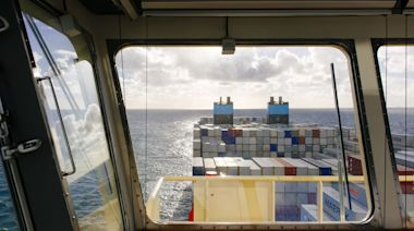 Maersk Loses 750 Containers as Seas Hammer LA-Bound Ship