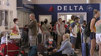 Finish Your Mojito, We Are Closed: Tourists Scramble To Leave Cuba