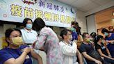 【社區大爆炸】屏東暫停預約施打疫苗 全力提供醫護使用   蘋果新聞網   蘋果日報