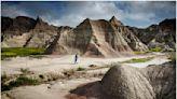 「荒涼之域」惡地・峽谷、蝕溝、奇岩和壯觀線條交織而成的特殊地景!