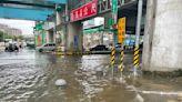 桃園瞬間大雨造成多處淹水 新北亦淹半個輪胎高