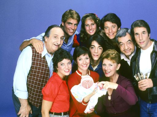 'Happy Days' Stars Henry Winkler, Ron Howard & More To Reunite For Wisconsin Democratic Party Fundraiser