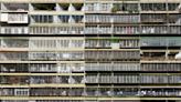 老外看台灣/為了防止聖誕老人入侵?老外熱議台灣公寓鐵窗用途