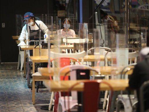 高雄開放餐廳加隔板內用 禁止非必要聚會