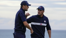 The Latest: US brings big lead into final day of Ryder Cup