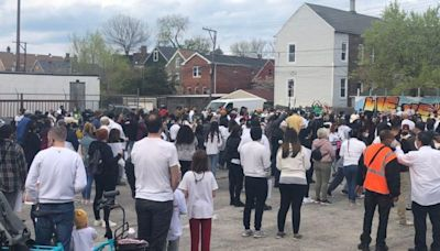 Crowd gathers Chicago to remember Adam Toledo