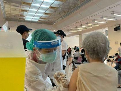台灣逾560萬人已打新冠疫苗 增10宗接種後死亡