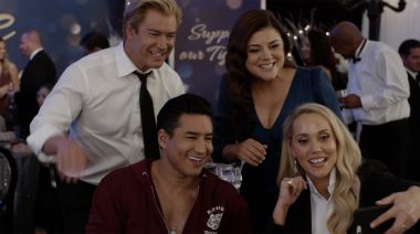 Zack, Kelly, Jessie and Slater return to Bayside in new 'Saved by the Bell' trailer