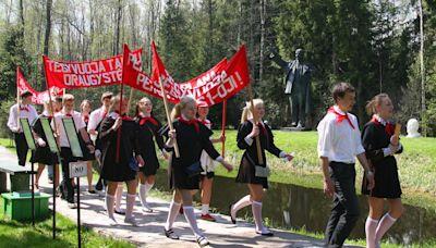 【書摘】如何處理史達林的雕像?立陶宛「蓋一座主題樂園」立下的新解與爭議 - 報導者 The Reporter