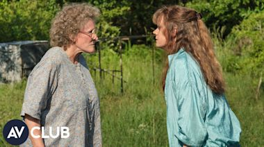 Glenn Close and Amy Adams surprised each other with their Hillbilly Elegy transformations
