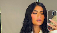 Kylie Jenner fans are calling her out for using a filter while promoting beauty products