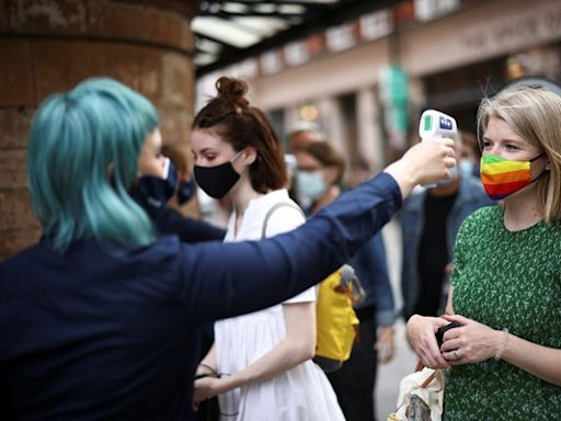 英國疫情又加劇 傳首相強生擬「暫緩解除防疫管制」
