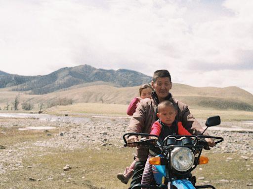 Tribeca Award Winners Gabrielle Brady, Julia Niethammer on Mongolian-Set Climate Change Project