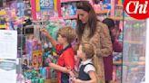 野生凱特王妃帶娃逛街 喬治王子「零用錢付帳」好棒棒