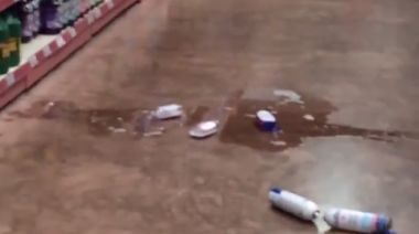 Footage Shows Earthquake Hitting Supermarket in Montego Bay