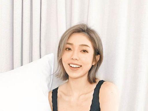 阿姨拍內衣廣告 唔益外人 - 東方日報