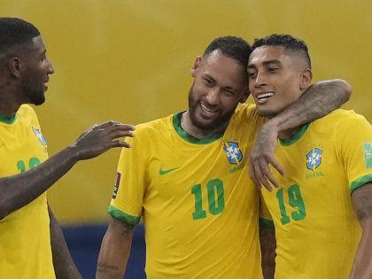 世盃外|尼馬一球兩助攻 巴西4:1炒烏拉圭續領放