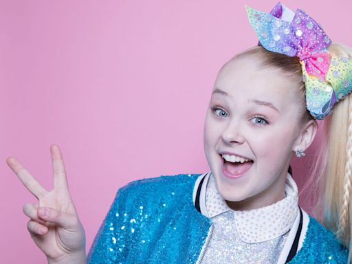 Here's How Rich JoJo Siwa and the Rest of the 'Dancing With the Stars' Cast Are