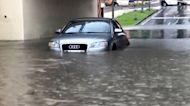 影/暴雨猛灌台南多處淹水!車輛困地下道畫面曝