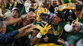 Packers RB Aaron Jones wears necklace with dad's ashes during four-touchdown night vs. Lions
