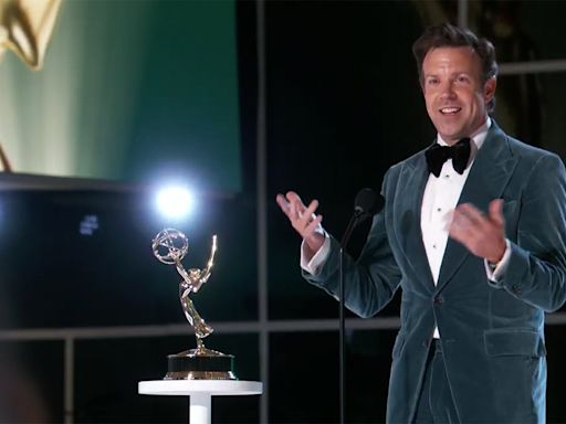 Jason Sudeikis Ribs SNL Creator Lorne Michaels for Taking 'a Dump' During His Emmys Acceptance Speech