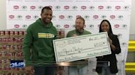 Packers participate in Giving Tuesday
