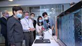 行政長官到訪生物科技初創公司(附圖/短片)