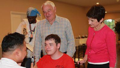 Tom Golisano 向特殊奧運會捐款 3,000 萬美元,為全球智障人士擴展亟需的健康服務