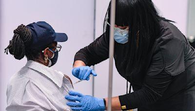 強制奏效,美國疫苗接種率增加死亡確診下降