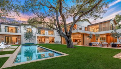 Joe Jonas and Sophie Turner Sell Contemporary Encino Home for $15.2 Million