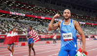 Olympics-Athletics-Jacobs says reconnecting with father pushed him to 100m gold