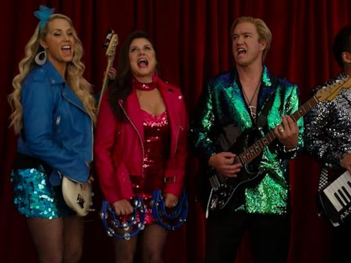 Zack and Kelly – and Zack Attack – Are Back at Bayside in Peacock's 'Saved by the Bell' Trailer (Video)