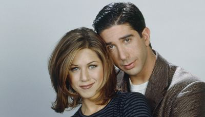 David Schwimmer, Jennifer Aniston share 'last hug' at 'Friends' reunion in candid pic