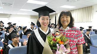 明新科大畢業典禮 父女檔3人、跆拳道正妹齊畢業